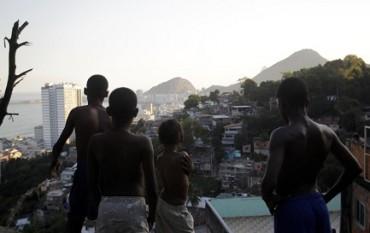 AUMENTANO LE FAVELAS A RIO DE JANEIRO. Discontinuità e mancanza di coordinamento tra le politiche pubbliche tra le cause della crescita