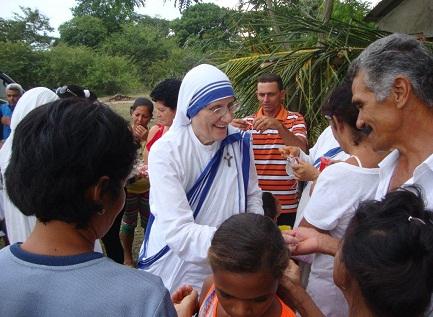 L'attuale Superiora generale delle Missionarie della Carità, madre María Prema Pierick, durante la visita Cuba