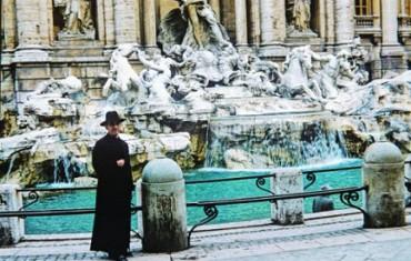 RICORDO DI UN UOMO SANTO (ANCHE SE NON LO SAPEVO). Conversando con monsignor Romero ai piedi dell'obelisco di San Pietro, un anno prima di essere ucciso
