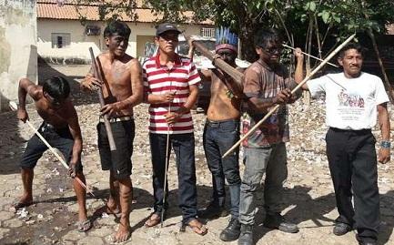 "Un gruppo di""Guardiani Guajajara""(Foto Guajajara Guardians)"