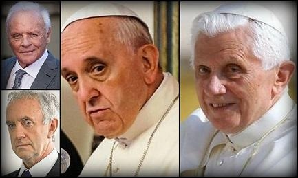 Le coppie Papa Bergoglio e Jonathan Pryce, Joseph Ratzinger e Anthony Hopkins