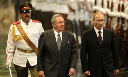 Il presidente russo Vladímir Putin e Raúl Castro (EFE Archivio)