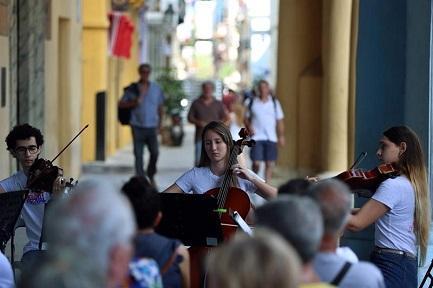 Quartetti d'archi mozartiani a l'Avana (Foto Alejandro Ernesto-EFE).