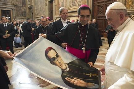 DA BENEDETTO A FRANCESCO PASSANDO PER ROMERO. Un filo di continuità tra i due papi passa per la convinzione con cui entrambi hanno spinto la causa del prossimo santo