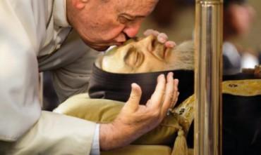 """GRANDI NEL CONFESSIONALE. E DA MITARE. Da padre Pio da Pietrelcina a Leopoldo Mandic. Ricordi del """"Confessore del Papa"""""""