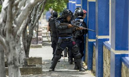 NICARAGUA. LA RIFORMA PENSIONISTICA SCATENA LA PROTESTA. E la polizia del governo del presidente Ortega la reprime nel sangue. Chiesa dalla parte dei manifestanti
