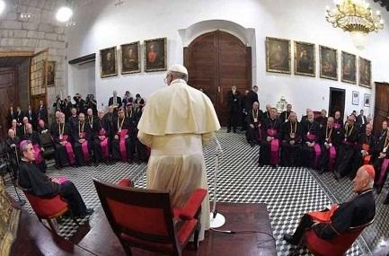 ORDINE DEL GIORNO PER UN SUMMIT. Quello dei vescovi del Cile con il Papa quando lo incontreranno a metà maggio per la quarta volta in 15 mesi. Comunione ecclesiale e conversione