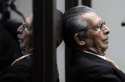 Ríos Montt in una pausa del processo per genocidio il 31 gennaio 2013 (Foto AFP-Johan Ordóñez)