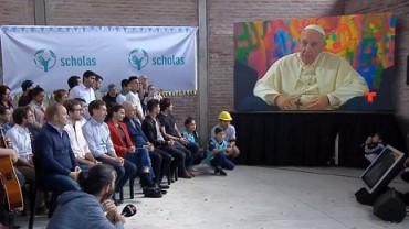 UNA CASA PER LE SCHOLAS DEL PAPA. La Fondazione pontificia apre la sede argentina nella baraccopoli del sacerdote Carlos Mugica, il capostipite dei preti delle villas miseria