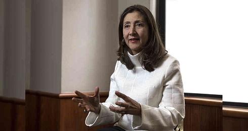 """""""LE FARC HANNO FATTO PIÚ DEL GOVERNO PER REALIZZARE GLI ACCORDI DI PACE"""". Lo sostiene Ingrid Betancourt, per sei anni sequestrata, di ritorno in Colombia"""