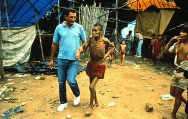 MORIRE DI MORBILLO NELLA FORESTA. Una epidemia ha colpito una tribù dell'Amazzonia isolata e con poche difese immunitarie