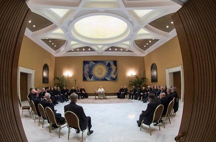 E DOPO TUTTO QUELLO CHE È SUCCESSO NELLA CHIESA DEL CILE? Continua la rimozione di vescovi e lo smarrimento nel popolo. Ma la crisi è per una maturazione