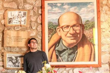 Una pittura-ritratto del vescovo Enrique Angelelli, assassinato il 4 agosto 1976