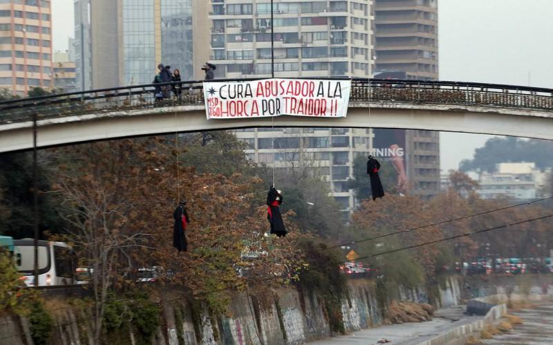 Santiago del Cile - Ponte Las Condes sul fiume Mapocho