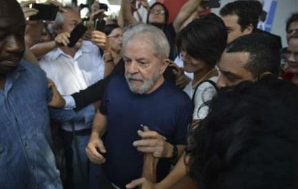 """Lula non rinuncia: """"So che posso riportare il paese sulla strada della democrazia e dello sviluppo"""""""