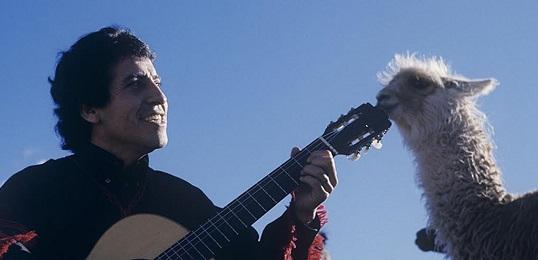 Victor Jara in una foto conservata nell'Archivio omonimo creato in Cile