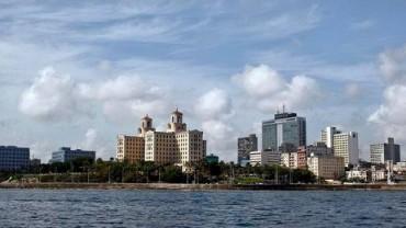 """L'AVANA SI FA BELLA. La capitale di Cuba si prepara a festeggiare i 500 anni della sua fondazione """"alla grande"""", come promette lo slogan dell'anniversario nel 2019"""