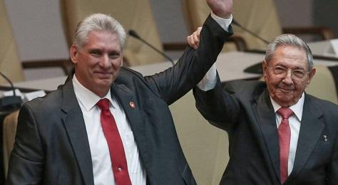 """Raúl Castro """"incorona"""" il successore Díaz Canel"""