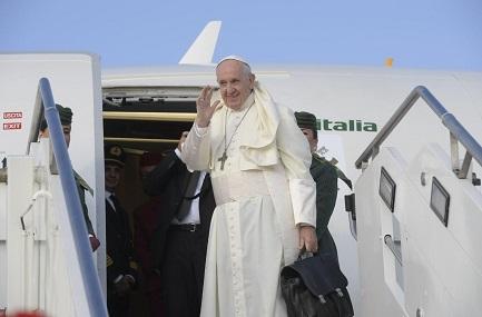 Papa Francesco in partenza per l'Irlanda (Vatican Media)