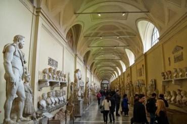 """100 MILA MESSICANI VISITANO MOSTRA VATICANA IN UN MESE. Si intitola: """"Il Vaticano da San Pietro a Francesco"""". Con opere di Raffaello, Tiziano, Guercino, Reni e Bernini"""