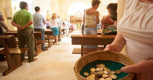 Colletta in una chiesa di Buenos Aires