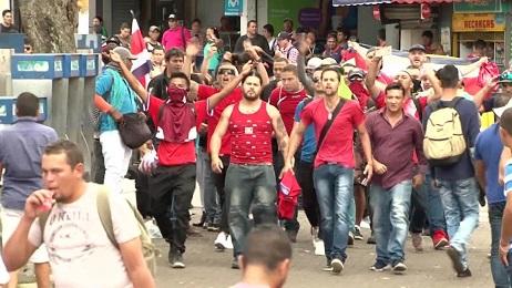 Una protesta in Costa Rica contro emigranti del Nicaragua